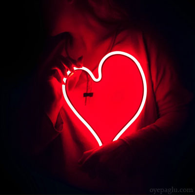 Stylish dp with red heart
